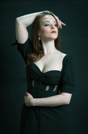 Arianne Davidow as Claudia Nardi