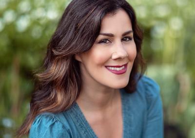 Kristin BEntley as Marianne